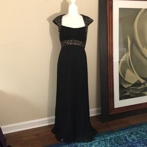 Tadashi Collection Black Cap Sleeve Beaded Gown